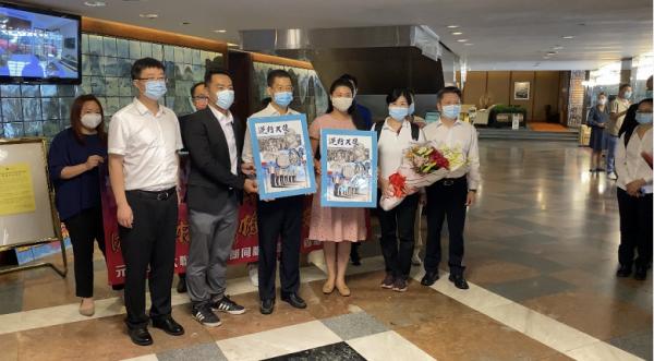 社区|164人内地核酸检测支援队抵港,香港市民热烈欢迎